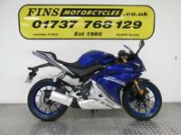 2017 Yamaha YZF125R, Blue, 800 Miles, 1 Owner, Mint. Yamaha warranty.