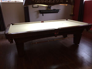 Table de billard en chêne