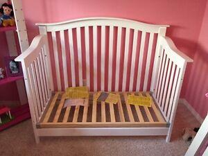 Babies R us 4-1 convertible crib