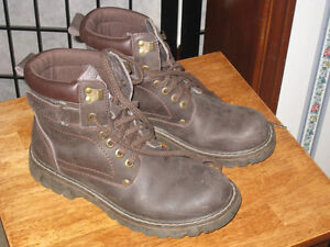 Barely used Small Leather Safety Shoes, Size 8