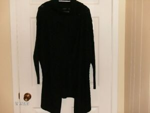 BENCH Urbanware Hoodie and Sweater, Size Medium