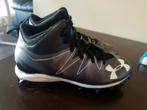 Mens size 8 football cleats