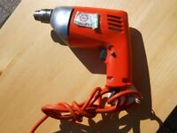 Drill reversible by Black and Decker