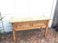 Sideboard or dressing table