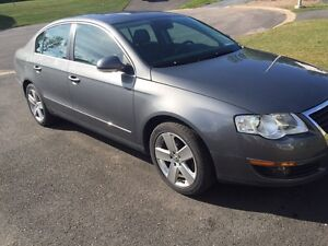 2008 Volkswagen Passat auto with leather