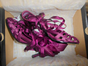 NEW beautiful magenta heels from LeChateau, size 7 Kitchener / Waterloo Kitchener Area image 1