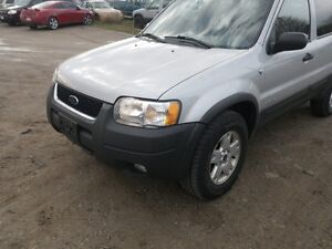 PARTING OUT 2002 ESCAPE 4X4 W/90,000 KMS London Ontario image 3