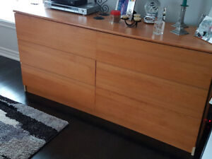 6 drawers chest & middle table - 2 individual Pieces