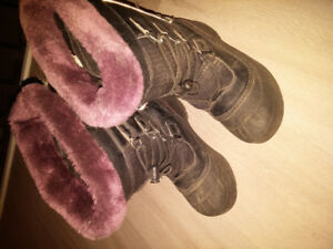 Size 4 Girls winter boots