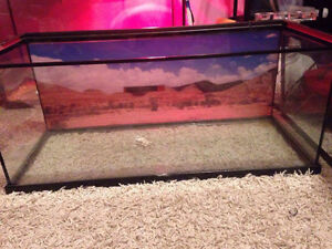 Selling my 25 gallon tank. Need gone