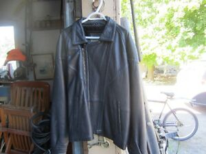 LEATHER BIKE JACKET & VEST Peterborough Peterborough Area image 3