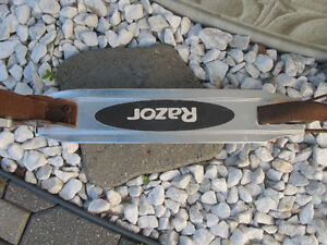 RAZOR SCOOTER (or for parts) - Price Negotiable West Island Greater Montréal image 4