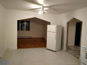 Offering 2 bedrooms apartment at a walking distance from Ottawa Gatineau Ottawa / Gatineau Area image 2