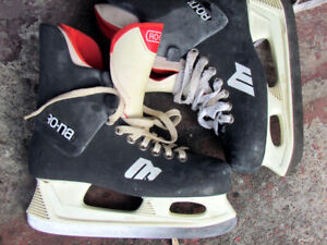 """SKATE  """"7"""" $10.00  for the pair    Phone: 514 624 0391"""