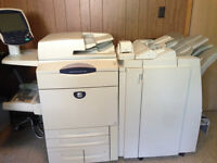 Imprimante XEROX 242 Printer FIERY/FINISHER Light Production