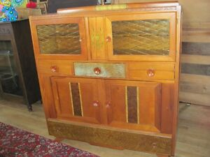 Upcoming Large Sale of Antiques and Nostalgia Labour day Weekend