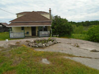 3 bdrm house on 120 acres + 1850 ft of lake shoreline
