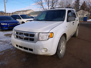 2011 ford escape xlt- AWd