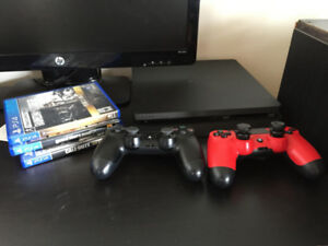 PS4 slim 1TB, 2 contollers, 3 games