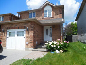 Holly Area in Barrie – 3 Bedrooms semi Linked By Garage Only