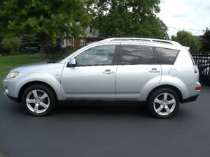 2007 Mitsubishi Outlander XLS: Auto, Leather,4WD, Drives Great!