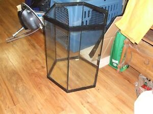 4- AQUARIUMS / PET CAGES