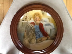 """""""Annie and Sandy"""" collector plate w wood frame worth $87"""