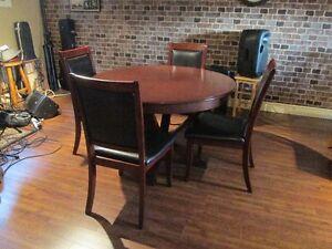 Set de Cuisine table ronde avec 4 chaises //
