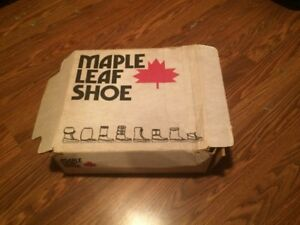 original in box 1980's Maple Leaf Shoe  Mukluk white furry boots
