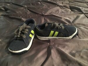 Toddler Stride Rite shoes size 8