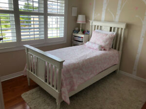Pottery Barn Kids Bedding - Quilt and Pillow