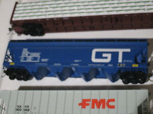 HO scale GT covered hopper car for electric model trains