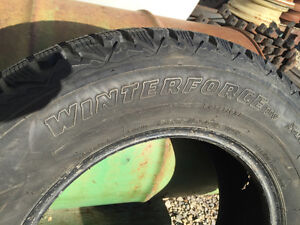 Firestone Winter Force P235 / 65/R16 Stratford Kitchener Area image 2