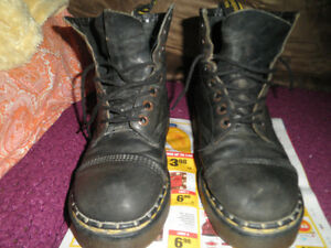 Dr Doc Marten's Original Air Wair Made In England SzUS Men-8 W-9