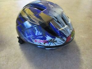 Free Spirit Cycling Bicycle Helmet in Excellent Condition