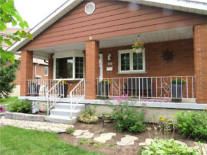 IMMACULATE RENTAL BUNGALOW APARTMENT MOUNTAIN 2 BLOCKS FROM LINC