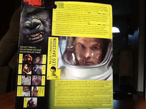 2001 PLANET OF THE APES LEO DAVIDSON (MARK WAHLBERG) FIGURE London Ontario image 2