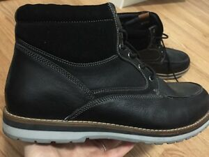 Men's black boots size 13/14  BRAND NEW!! NEVER WORN