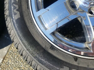 "17"" Chrome rims 2005 Jeep Grand Cherokee. Very good condition ."