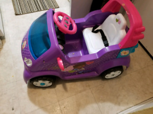 Doc Mcstuffins electric car
