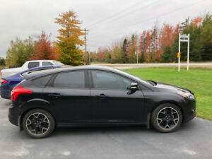2014 Ford Focus SE Black Edition, 114,000 kms
