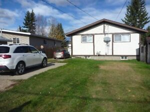 4 bedroom house in Whitecourt - April 1