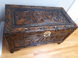 Chinese Hand carved Trunk
