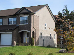 Great 3 Bedroom + Den townhouse Dartmouth - Russell Lake