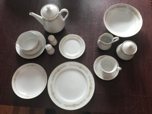 Mita Golden Rose  Fine China  Set - Japan