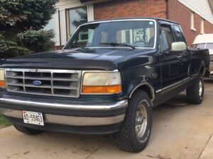 1995 Ford F 150 4 x 4 GOOD FOR PARTS AS IS $ 800.00