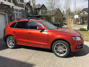 2014 Audi Q5 2.0L Hybrid, Technik pkg, S-Line, Still on warranty