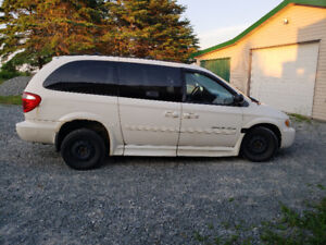 2005 Wheelchair Accessible Dodge Grand Caravan