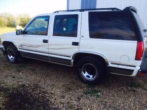 1996 Chevrolet Tahoe SUV  2 wheel drive