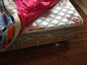 Queen size Boxspring and matreas